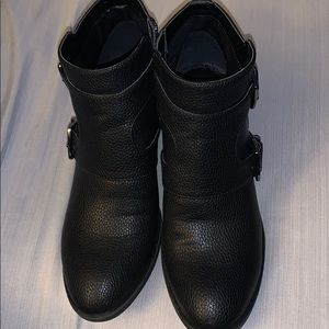 Kenneth Cole Reaction Re-Belle Booties